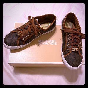 Micheal kors brown n gold sneaker